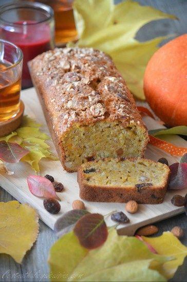 Délicieux cake aux couleurs et saveurs d'automne découvert sur le joli blog de Lou Une aiguille dans le potage, qui l'avait elle même dénichée chez Pascale Weeks C'est moi qui l'ai fait. J'adore les cakes au potiron ou potimarron, toujours bien moelleux,...