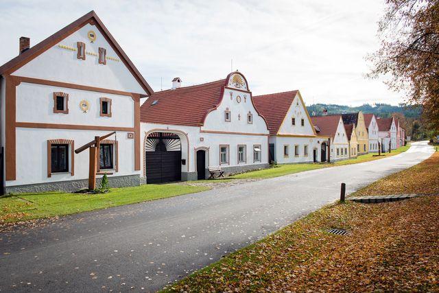 Folk Baroque building czech Republic - Google Search