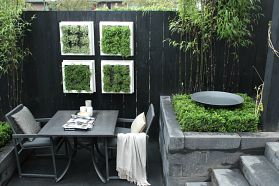 Tight black and white lines | Own Home & Garden