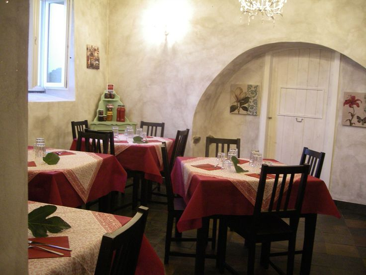 Our Company has reserved in a typically local, converted from a former winery, its quaint little restaurant where on request you can taste our dishes cooked with products of our land and of our company. www.agriturismomammachica.eu