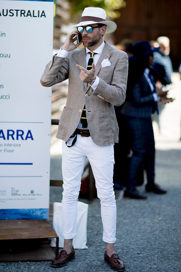 White pants, no socks, blazer and hat http://www.99wtf.net/trends/importance-wear-mens-shoes/