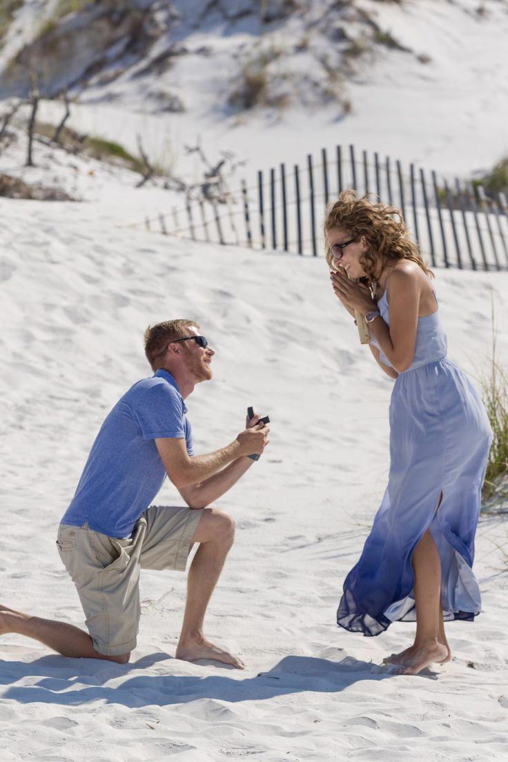 He asked her to marry him with a message in a bottle on the beach, and she was blown away!
