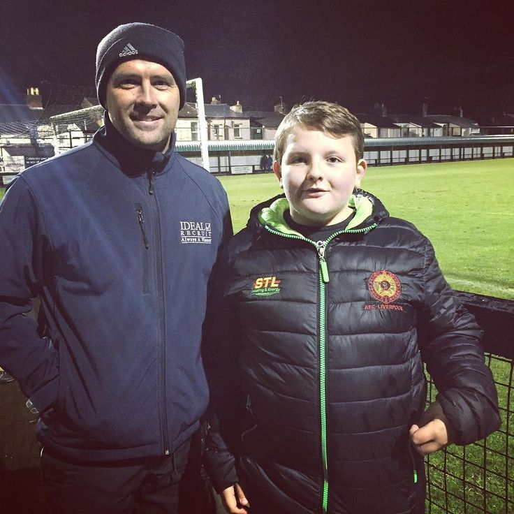 Our lil AFC  Dylan with Michael Owen :)