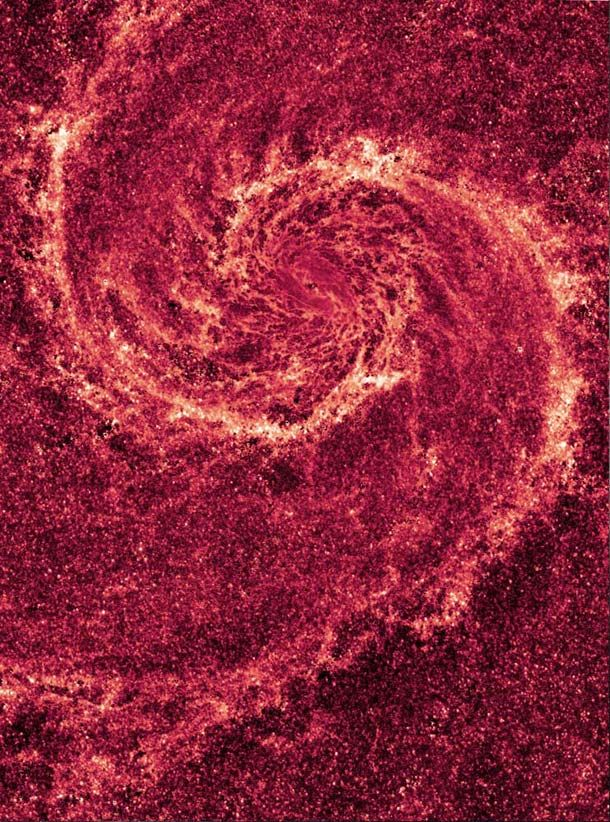 infrared dust in whirlpool galaxy