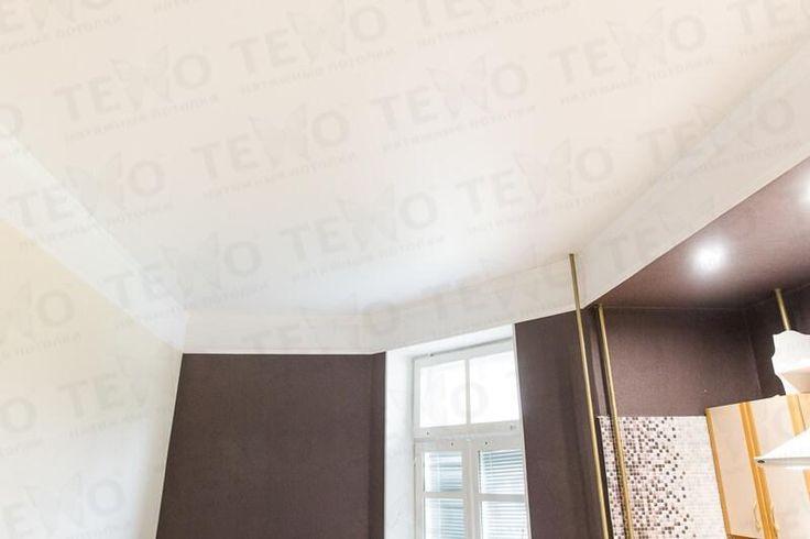 Натяжные потолки Техо. Классический белый сатиновый потолок на кухню в Бресте