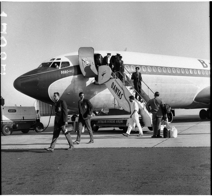 Pakistan Cricket Test Team for Australia and New Zealand arrives on BOAC Boeing 707, Mascot, 26 November 1964. Australian Photographic Agency Collection, Mitchell Library, State Library of New South Wales.