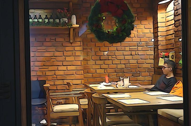 A single Christmas man in the café