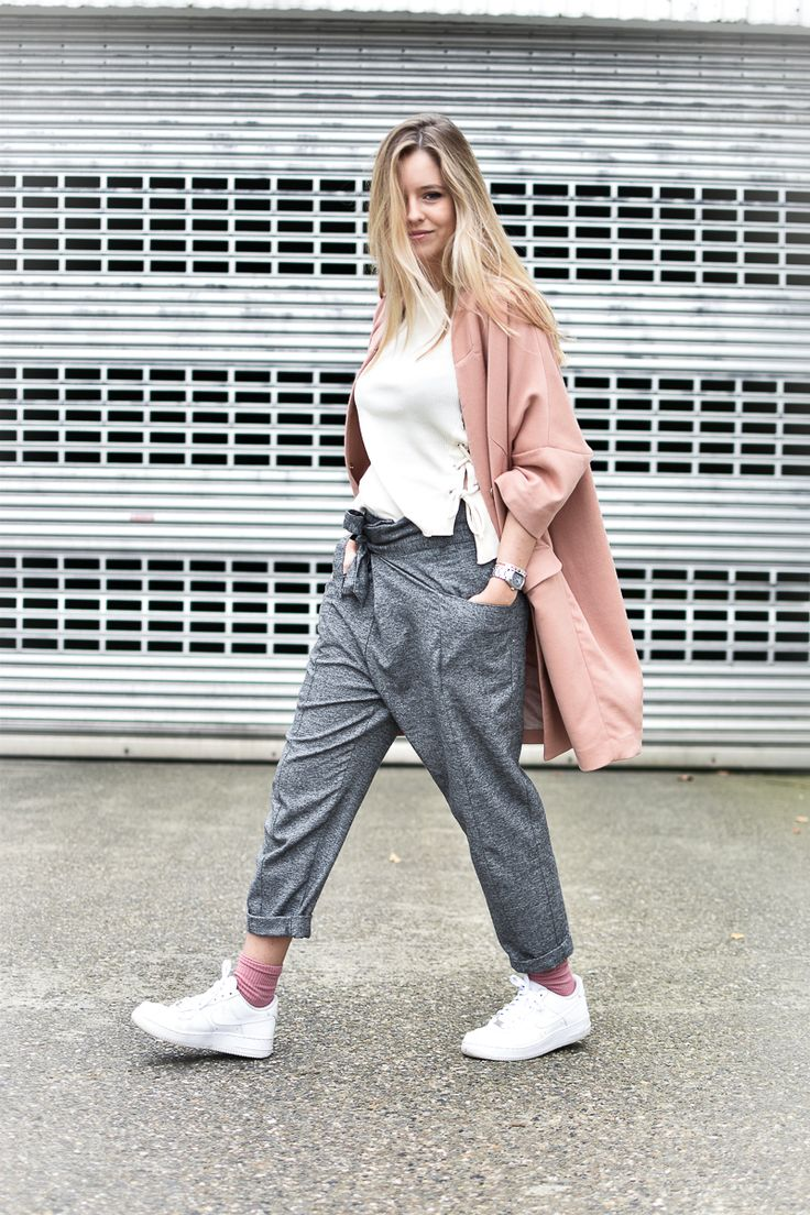 PINK COAT, GREY PANTS, NIKE AIR FORCE More on my blog : http://milkywaysblueyes.com/fr/le-manteau-rose-en-hiver/