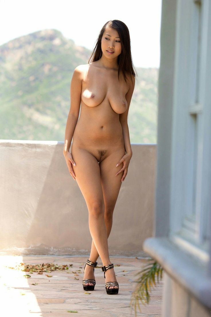 beautiful naked asian women usa