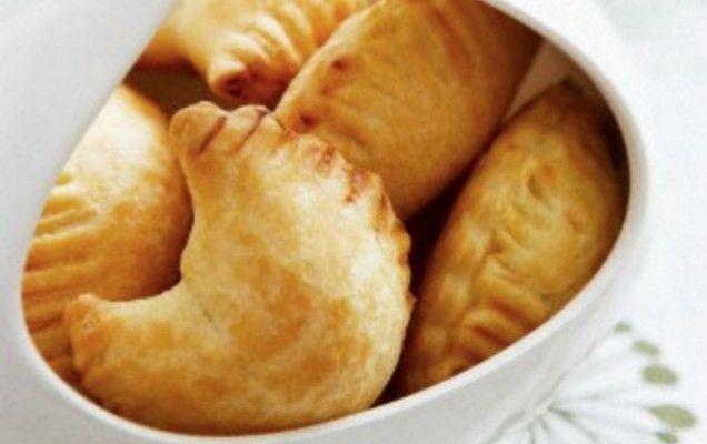 Τυροπιτάκια με ζύμη γιαουρτιού - iCookGreek