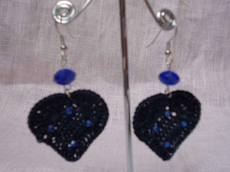 Orecchini a forma di cuore con perla in blu