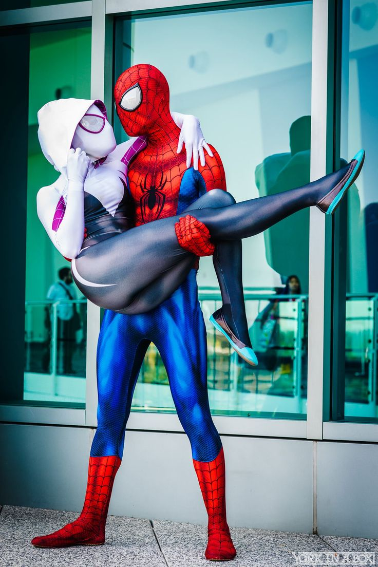 Spiderman and Spiderwoman by Maid of Might Cosplay #WonderCon 2015 #YorkInABox