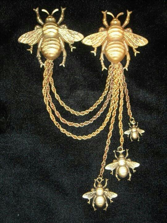 Joseff Hollywood Bee Chatelaine Brooch