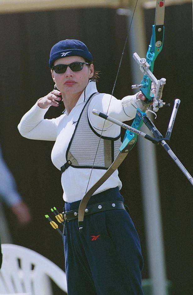Happy 57th birthday, Geena Davis! We love you for your great acting, your amazing foray into Olympic archery and your ongoing activism around gender and media.