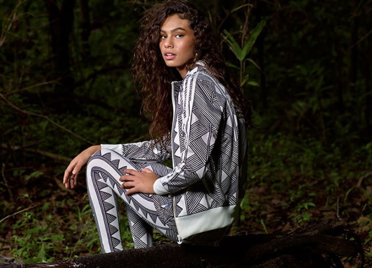 adidas MKX FB TT Kadın Gri Ceket (S19332) Alışverişe Başla >> http://goo.gl/k5DMez  32 - 46 arası bedenler stoklarda.  Ürün Fiyatı: 249,00 TL