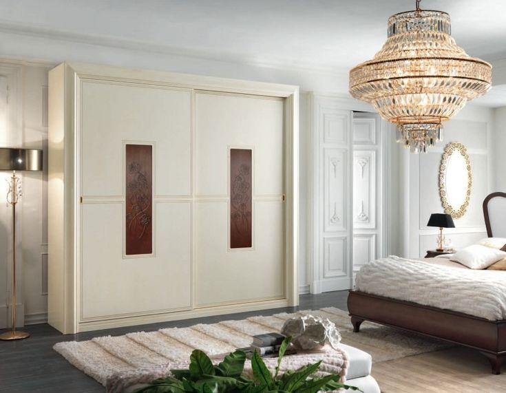 ♥♥♥ Шкаф-купе в спальне. Шкафы купе безапелляционно вытесняют в спальне корпусную мебель и громоздкие гардеробы. Их неоспоримое преимущество – максимальная функциональность, поскольку они позволяет оптимально использовать каждый сантиметр, весь объем помещения, отводимый под шкаф – от стены до стены, от потолка до потолка. Благодаря индивидуальному исполнению, шкаф-купе можно органично «вписать» в места, ранее считавшиеся негабаритными, например, различные ниши.