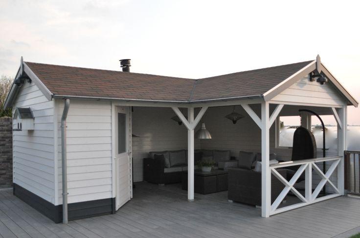 L-vormig tuinhuis met veranda