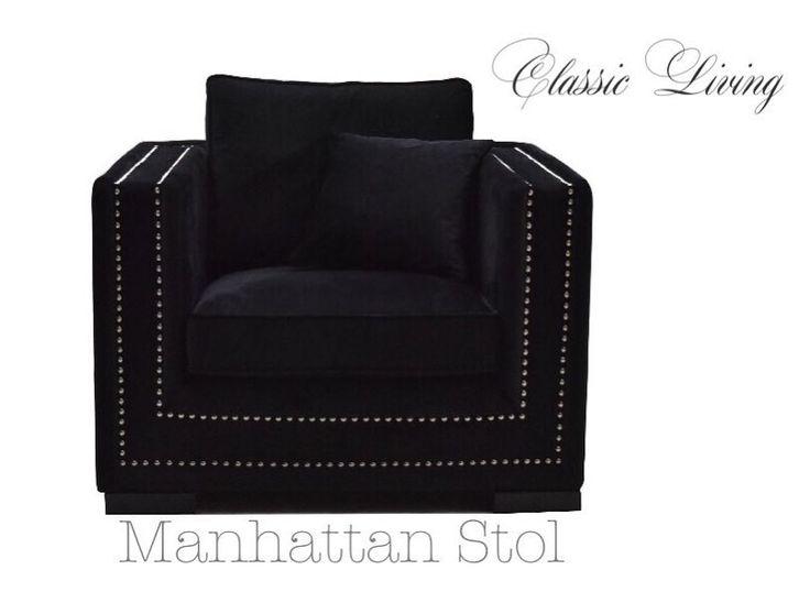 MANHATTAN stol er en lekker stol med god sittekomfort. Stolen er trukket i nydelig sort velour og har lekre detaljer med nagler i sølvfarge. Manhattan stol har et tidløst og tøft design. Løse puter som vist på bilde medfølger.  #classicliving #classy #homedesign #house #furnitures #møbler #interiør #interior #furniture #home #interiorlovers  #housedecor #interiorpassion #decoration #design #vakrehjemoginteriør #housestyling #homestyling #classy  #vakrehjem #nordiskehjem #nordicinspiration…