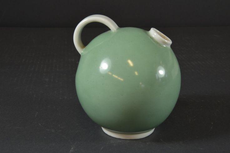 Vase by Nora Gulbrandsen for Porsgrund Porselen, H:11,5cm, from Auksjonshallen