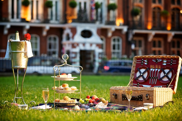 At The Milestone Hotel, you can even take Afternoon Tea outdoors and have a picnic in Hyde Park