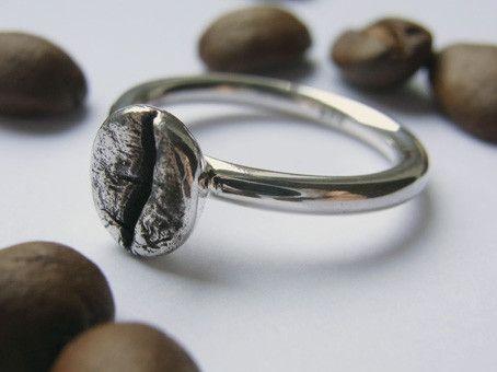 Kaffeebohne auf Ring - Sterlingsilber massiv von Schmuckeritis auf DaWanda.com