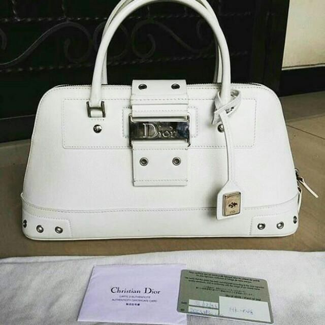 Rp4,500,000 - Preloved Christian Dior Baguette Full Leather Good condition Bag,,db and card #christiandior #christiandiorpreloved