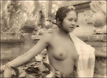 indonesia nude bali