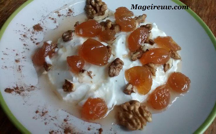 Η Συνταγή για γλυκό σταφύλι είναι γρήγορη και εύκολη. Το γλυκό σταφύλι είναι ιδανικό συνοδευτικό του γιαουρτιού και πολύ καλός φίλος για το πρωινό μας.