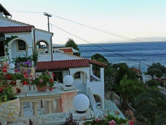 For Sale Multi use Building, Achilleio, Benitses, 400 sq.m., 10 Rooms,  Feautures:  AirConditioning, View: Sea view, Distance from:  Airport (m): 15000, Sea...