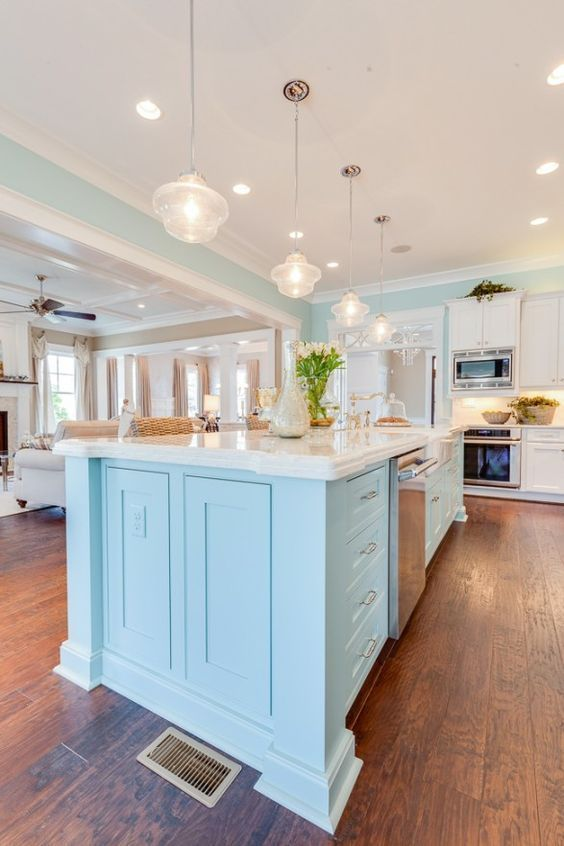 Coastal kitchen tour | beach cottage | coastal ideas | kitchen island | blue kitchen