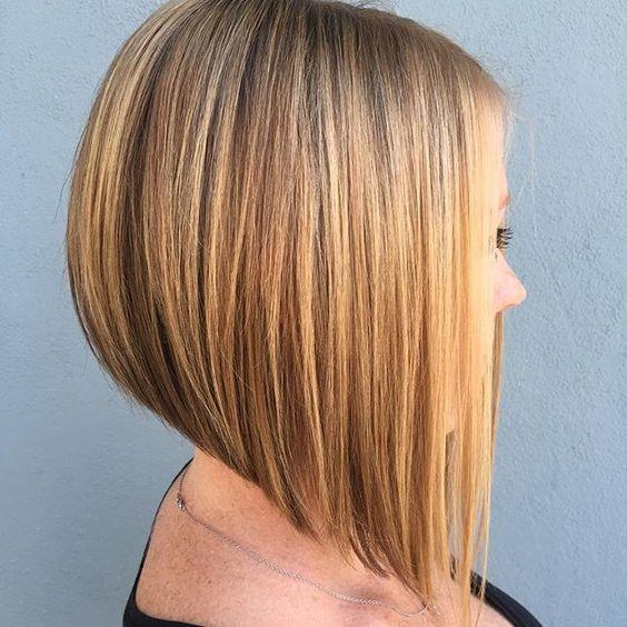 Más de 100 peinados de mujer para Primavera-Verano 2016:Media melena, todo liso con mechas