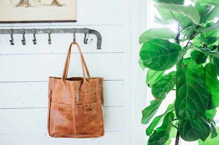 Distressed Leather Tote – The Magnolia Market