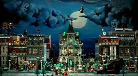 Video: LEGO Modular Haunted Street   Love! This is so cute; it just makes me want the LEGO Haunted House (#10228 in the Monster Fighters line) even more!!!
