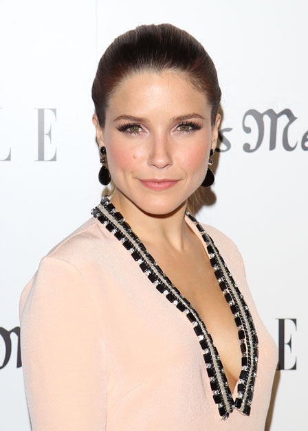 Loving this sweet ballet pink eyeshadow on Sophia Bush. Paired with a peach blush - it's date night perfection!