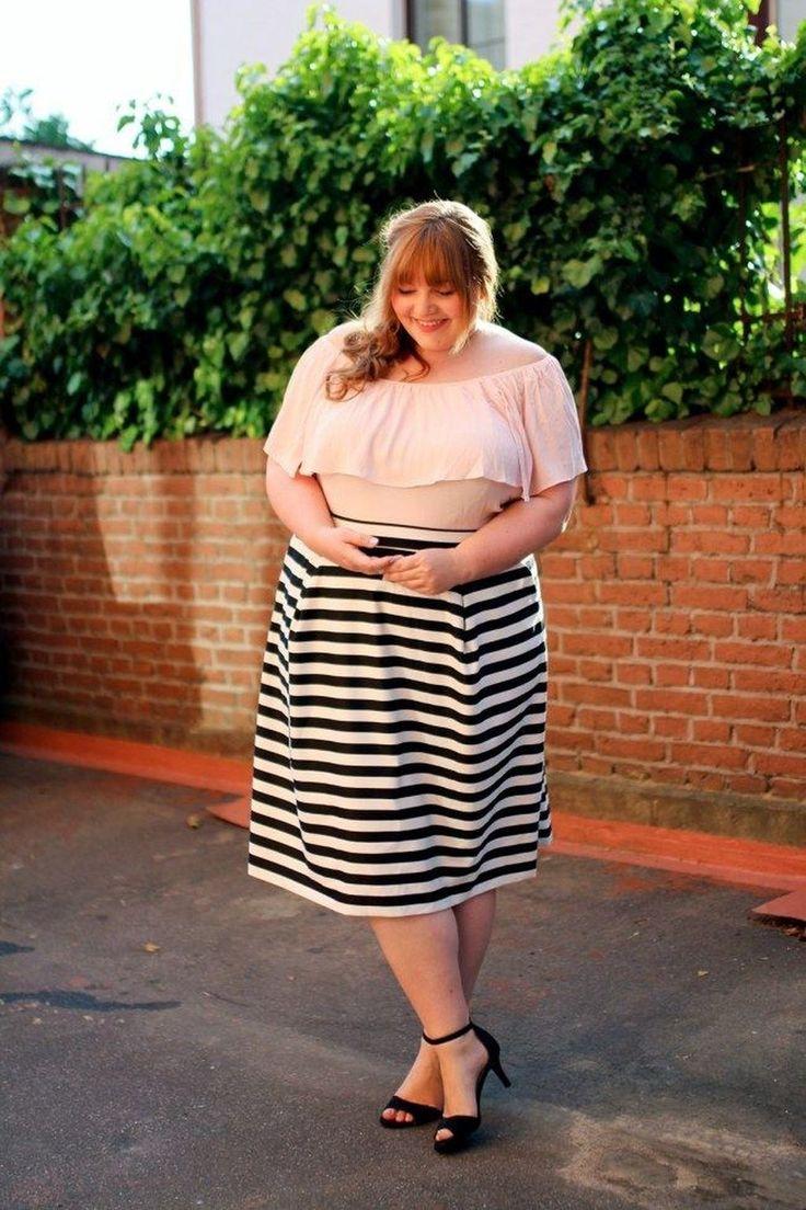 18+ Süße Schulterfreie Outfits, die jede Frau lieben wird