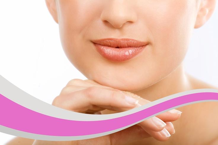 Es un tratamiento muy demandado en la actualidad. Siempre se realiza de forma natural y discreta, destacando el perfilado y la hidratación de los labios frente al volumen. Es muy importante que el resultado sea natural y este en armonía con el resto de los rasgos faciales. SIN CIRUGÍA.
