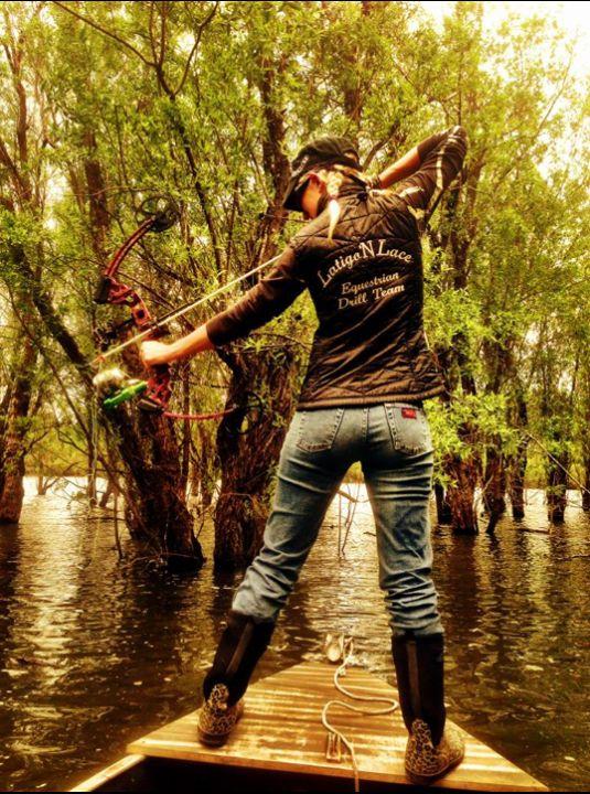 bad ass bow fishing!!