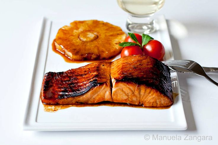 Salmon with pomegranate molasses glaze @Manuela Zangara