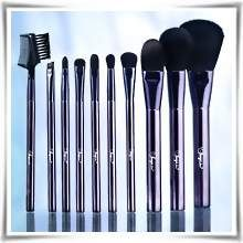 Master Brush Collection - Συλλογή Πινέλων Μακιγιάζ | Flawless by Sonya της Forever Living Products. Αγοράστε την online, πληρώστε με αντικαταβολή. #Accessories #FlawlessBySonya #MakeUp #Cosmetics #AloeVera #ForeverLivingProducts