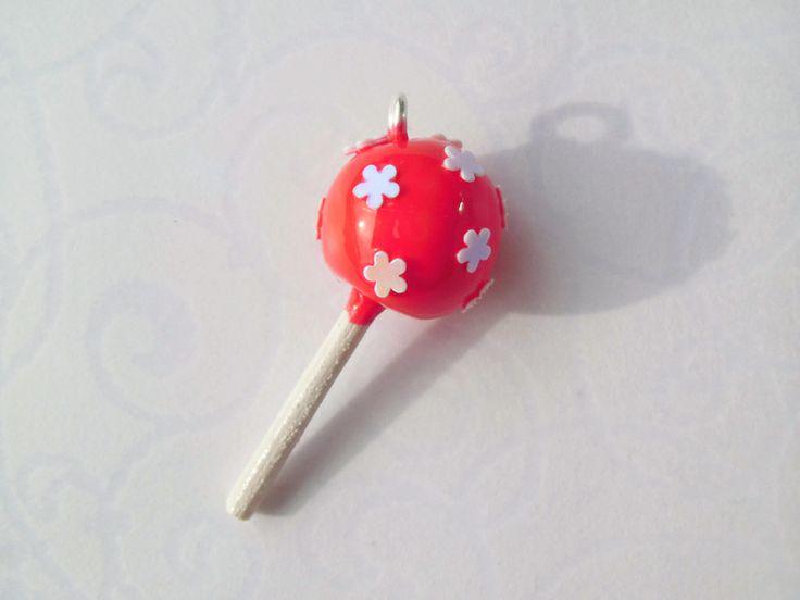 Cake Pop Anhänger - rot mit Blümchen von by Jewelz auf DaWanda.com: http://de.dawanda.com/product/55459827-Cake-Pop-Anhaenger---rot-mit-Bluemchen