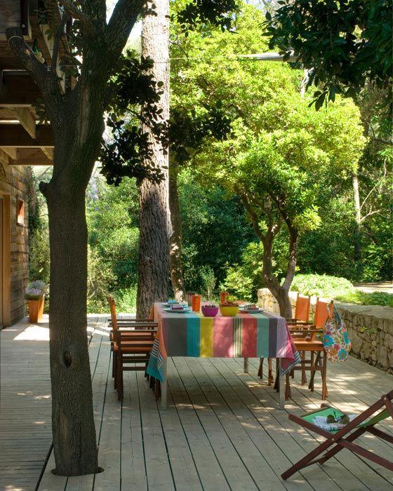 Terrasse multicolore au soleil ... Un petit air d'été
