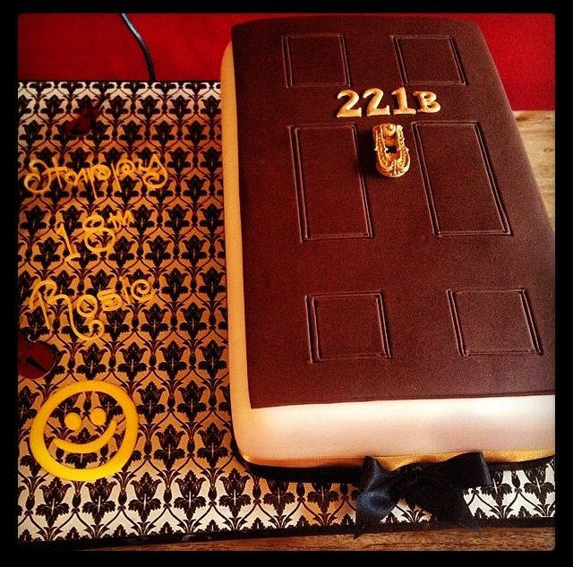 Awesome Sherlock cake - 221B