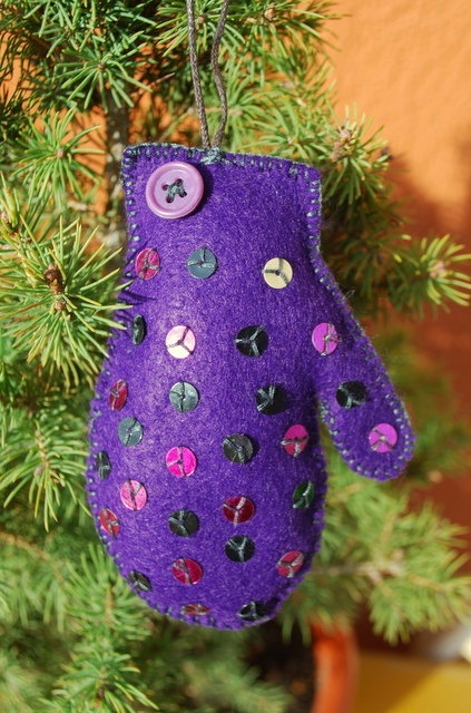 Purple Felt Glove by IrMarina on Etsy, $8.00