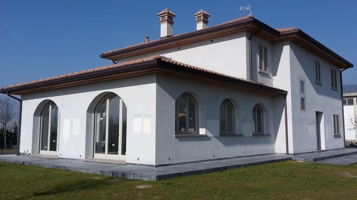 Oltre 25 fantastiche idee su finestre ad arco su pinterest for Piani di casa in stile toscano