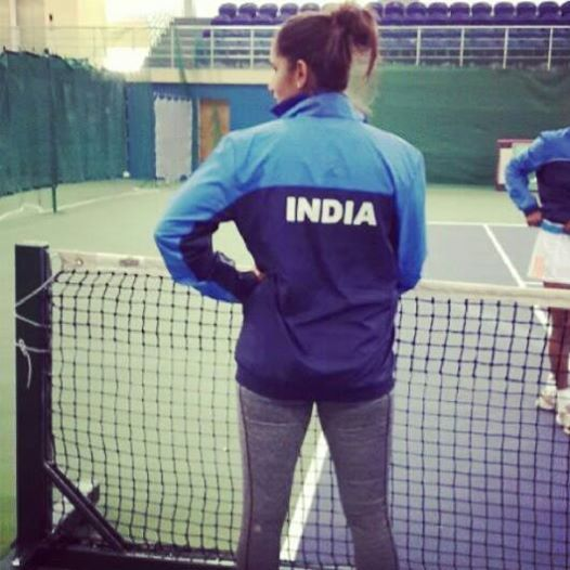#Selfies of Indian Tennis Star Sania Mirza. #3 Image Stole My Heart!!