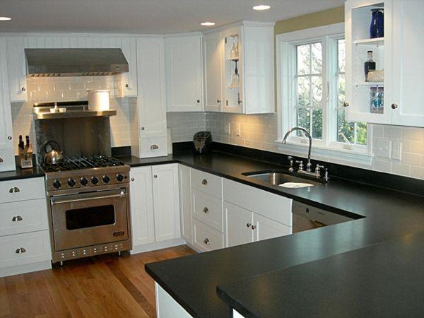 Kleine Küche Modern Gestalten   Weiße Schränke, Fenster