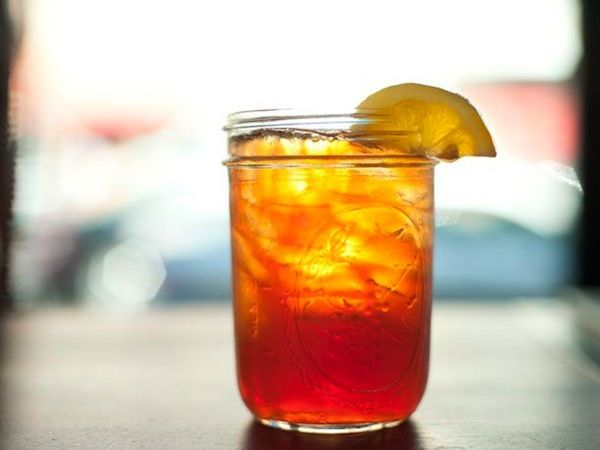 The Ten Commandments for the perfect Southern Sweet Tea - http://alabamapioneers.com/iced-sweet-tea/