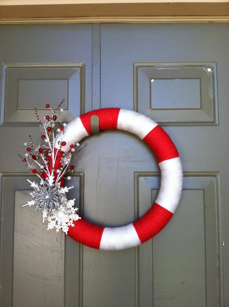 Christmas diy yarn wreath