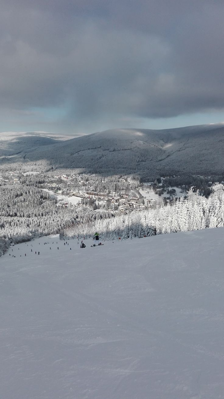 The winter season in the Czech mountains (Harrachov)