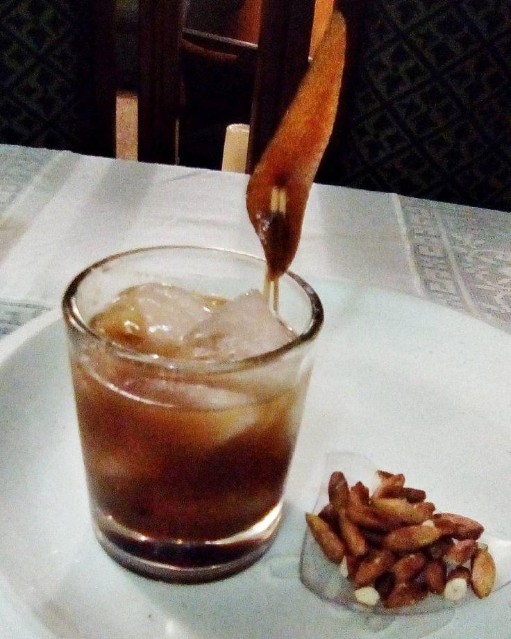 Cóctel - El Viejo - by: @jesuszdesigner  . . . #Bartender #Barman #Bar #Coctel #Drink #Cocuy #TrioleSec #Cointreau #OldFashion #Oldmen #Curso #Academia #Certificado #Capacitacion #Go #Maracay #Venezuela